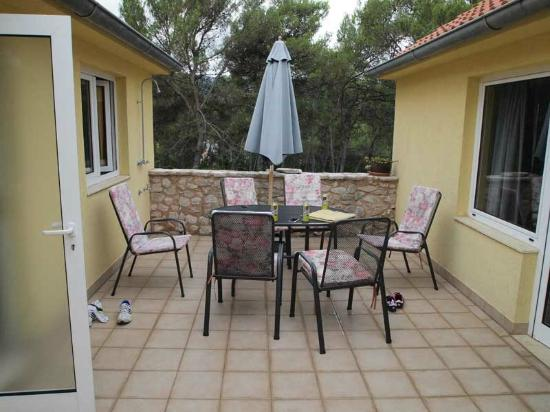 Villa Oleandri: bigger apartment view from fireplace