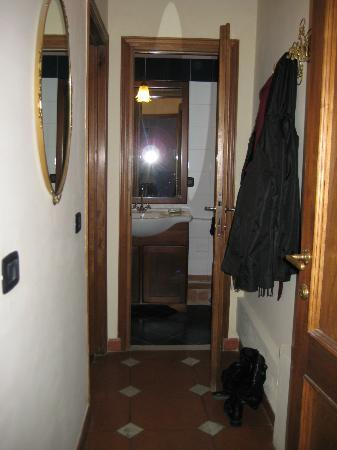 The Black Sheep Bed and Breakfast: Hallway within our room, leading to our private bathroom