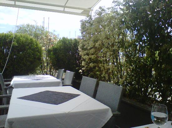 Restaurant Le Galion : petite terrasse sympa