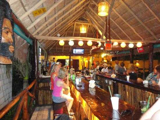 Bahia Tortuga: Palapa bar