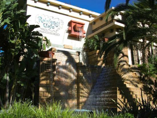 Rainforest Cafe: Outside