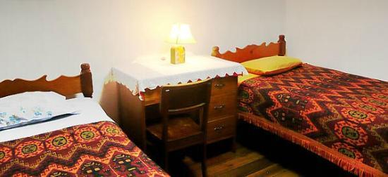 Hospedaje Familiar Jhuno: Habitaciones Confortables