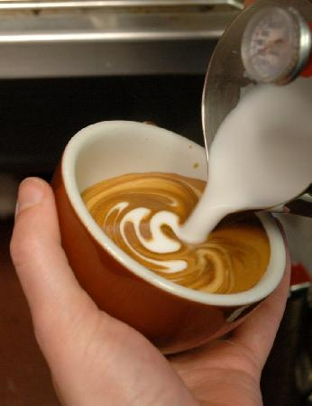 JP's Coffee: Pouring up latte art
