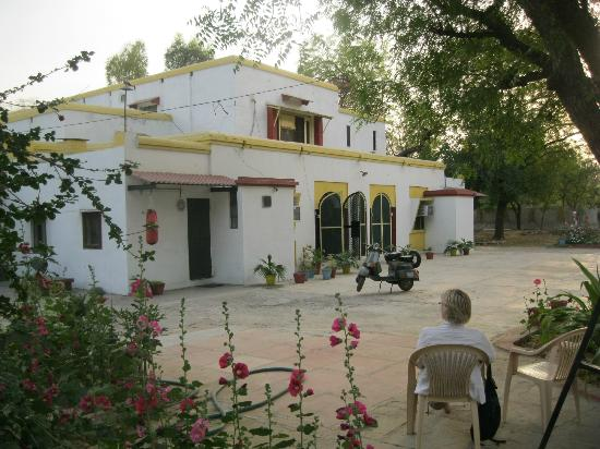 Heritage Homestay : relaxing in the peaceful grounds