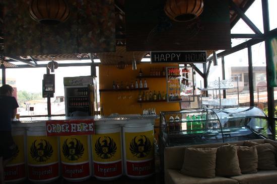 Hostel Pangea: bar again