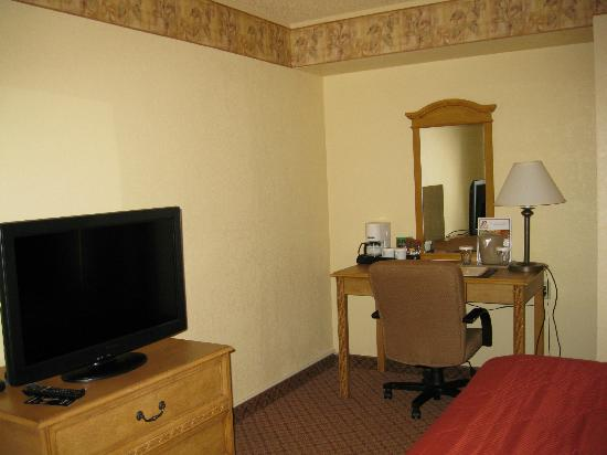 Quality Inn & Suites North Albuquerque: Room (view 1)
