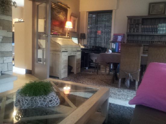 Maison Printaniere Bed & Breakfast : Reception Room