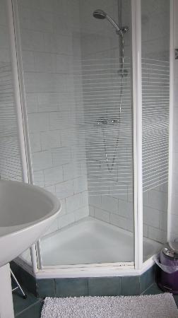 Maison Printaniere Bed & Breakfast : Lavendel Room En Suite Bathroom
