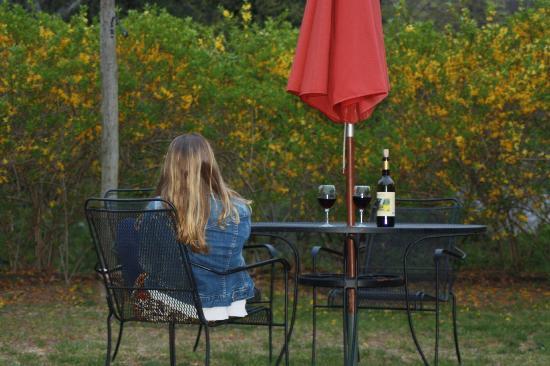 Maugle Sierra Vineyards: Outside Maugle Sierra