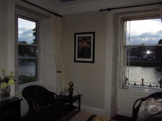 Talisker Guest House: The corner room overlooking Ness River.
