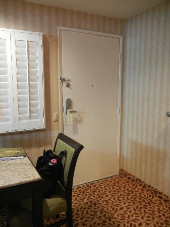Laguna Brisas Hotel: Door