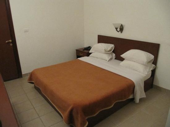 Rumman Hotel: Nice firm bed