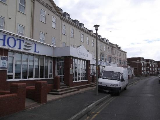 The Carousel Hotel: frontage of hotel