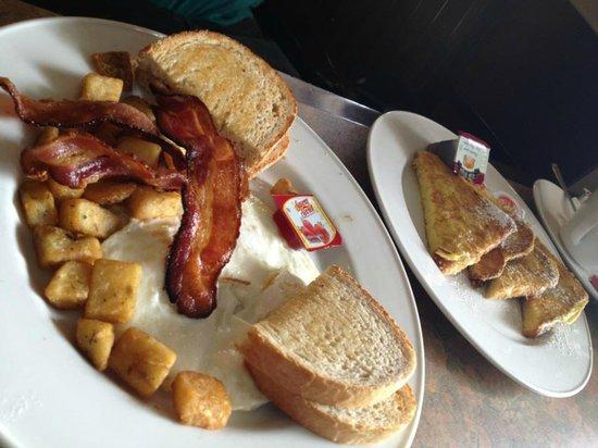 Grenadier Restaurant High Park: Bacon & Eggs, French Toast