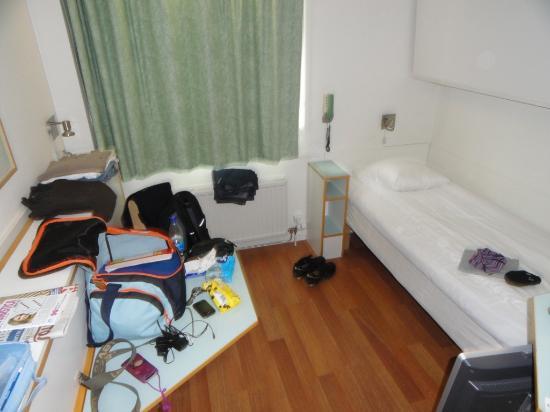 Bedroom bild fr n good morning lerum lerum tripadvisor for Bedroom nothing lasts