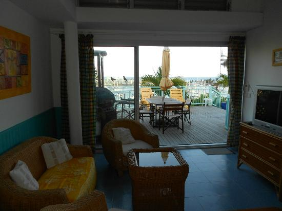 Villa Najro - Caraibes Evasion: Pélican - salon et terrasse