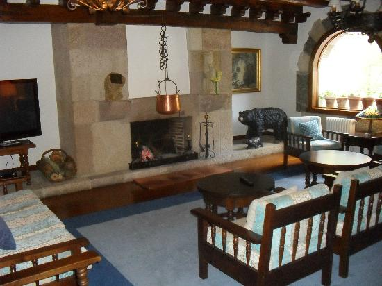 Hotel del Oso: ground floor lounge with log fire - so comfortable