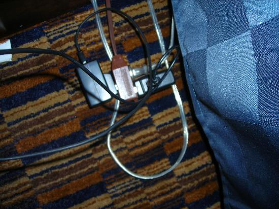Fairfield Inn & Suites San Francisco Airport/Millbrae: what was plugged into the cheap cord