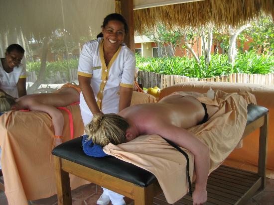Iberostar Bavaro Suites: Massage on the beach