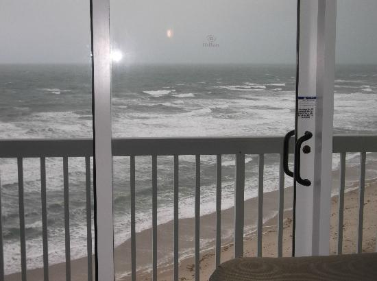 Hilton Melbourne Beach Oceanfront: Balcony door