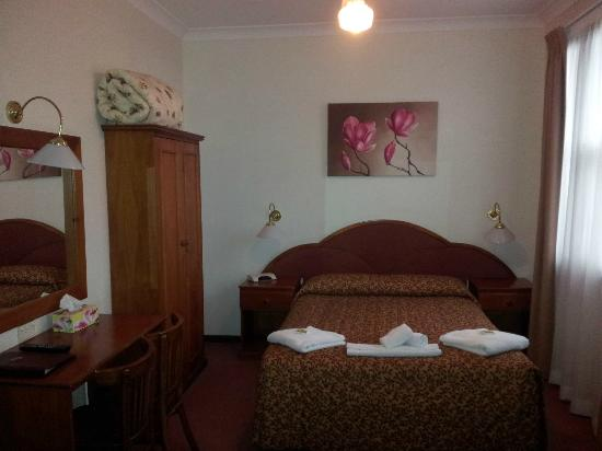 The Metropole Guesthouse: Our room