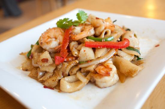 Asian Wings Cafe': Shrimp Drunken Noodles