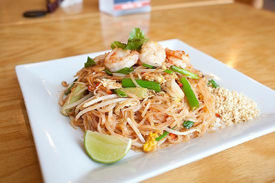 Asian Wings Cafe': Shrimp Pad Thai