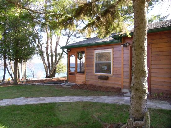 Howe Island B&B: Lawton Lodge
