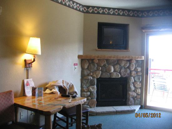 Kid Cabin Suite Fireplace Picture Of Great Wolf Lodge