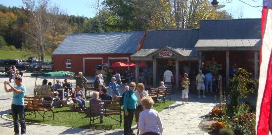 Vermont Country Store: Mildred's Maple Creemees and Bryant House Restaurant