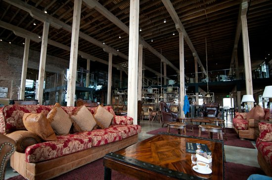 The Singular Patagonia: the main bar area