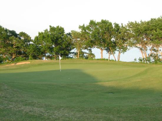 Chickasaw Pointe Golf Club: Chickasaw Pointe Colf Course - #14 tee