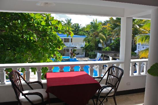 Hotel Celuisma Cabarete: From Windows restaurant over the pool