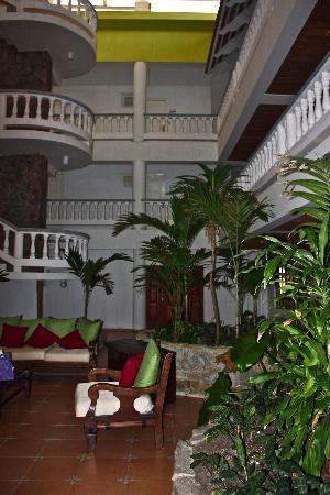 Hotel Celuisma Cabarete: Reception area lobby
