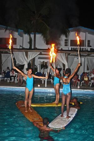 Hotel Celuisma Cabarete: Rosa, Nayeli & Yadhira in Fire & Water