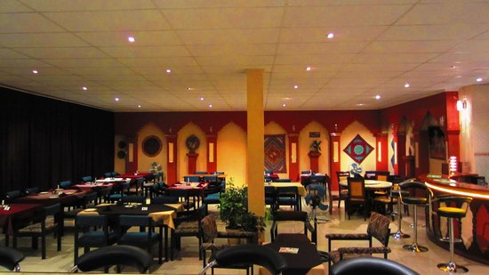 Huts Restaurant
