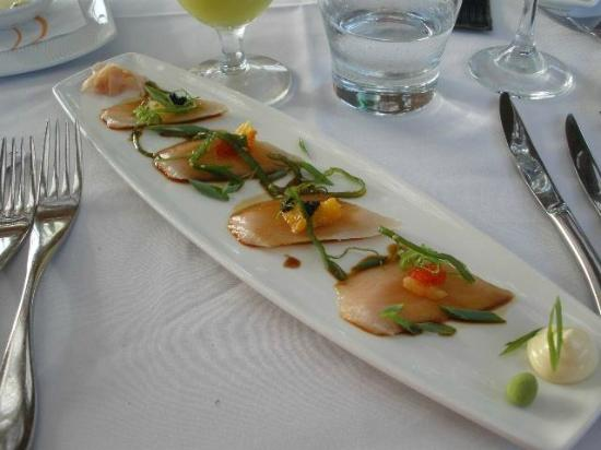 Flying Fish : Kingfish Sashimi