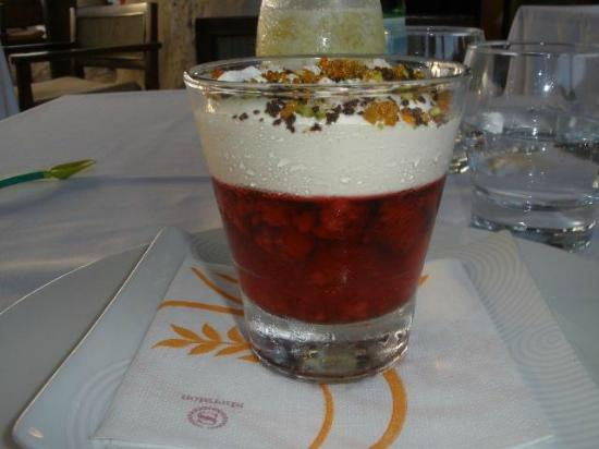 Flying Fish : Mixed Berry Jelly with Eton Mess