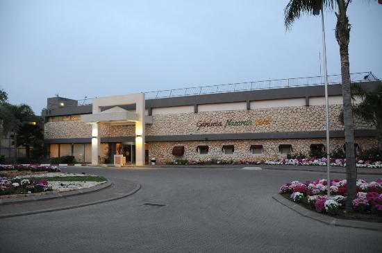 Gardenia Nazareth Hotel: Front View