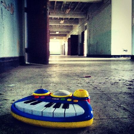 Trans-Allegheny Lunatic Asylum: Toy Piano