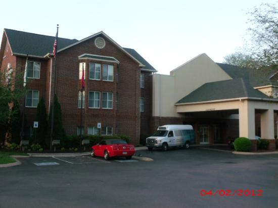 Homewood Suites by Hilton Nashville-Airport: Outside view