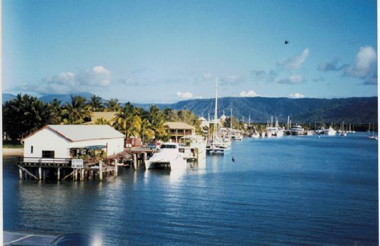 TreeHouse Retreat BnB: Port Douglas Inlet
