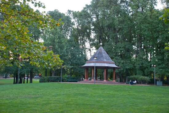 Australian Capital Territory, Australia: Gazeebo in the middle of Glebe Park