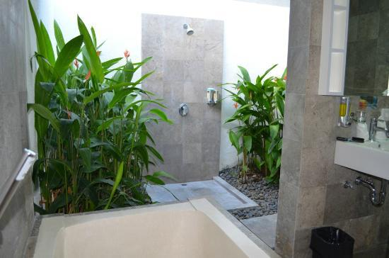 Bali Yarra Villas: Outdoor Bathroom