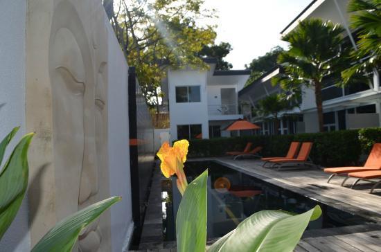 Bali Yarravillas: Poolside