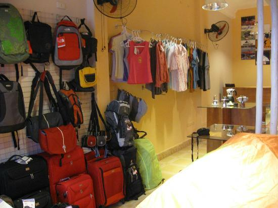 Umove Travel & Outdoor Gear: Umove - 74 Pham Huy Thong Str, Ba Dinh Dist, Hanoi