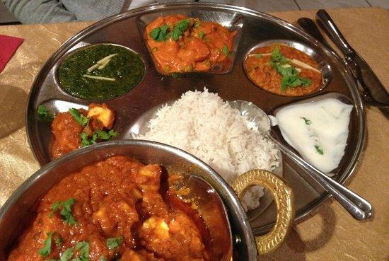 "Maharaja Curry: Vegi Thali und Paneer ""in Curry Sauce"""