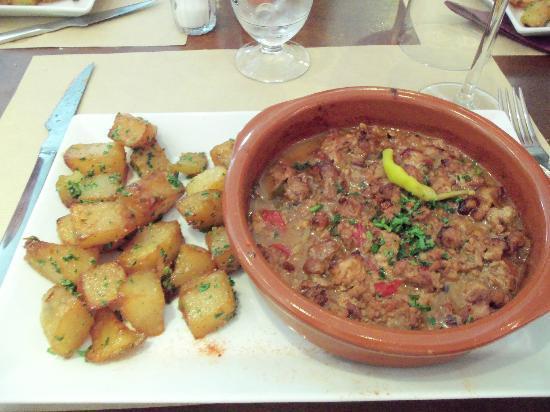 Aintzina : Axoa de veau et pommes de terre