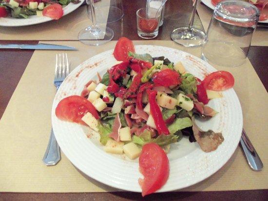 Aintzina : Salade de fromage de brebis