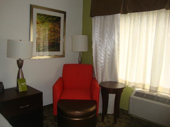 Hilton Garden Inn Raleigh-Durham/Research Triangle Park: Inside Room
